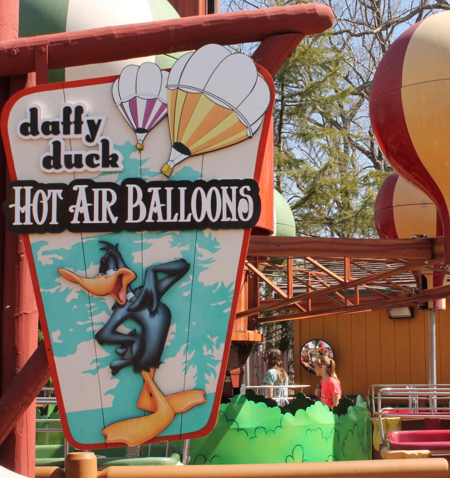 Sfgadv_daffyshotairballoons_1440x1533_0