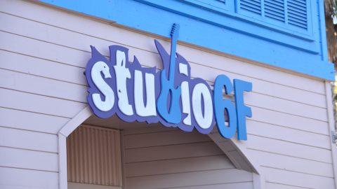 studio6f-retail-web-storesign